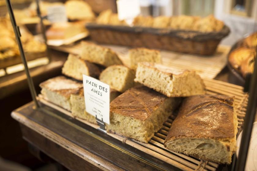 """Comptoir de la boulangerie """"Du pain et des Idées"""""""